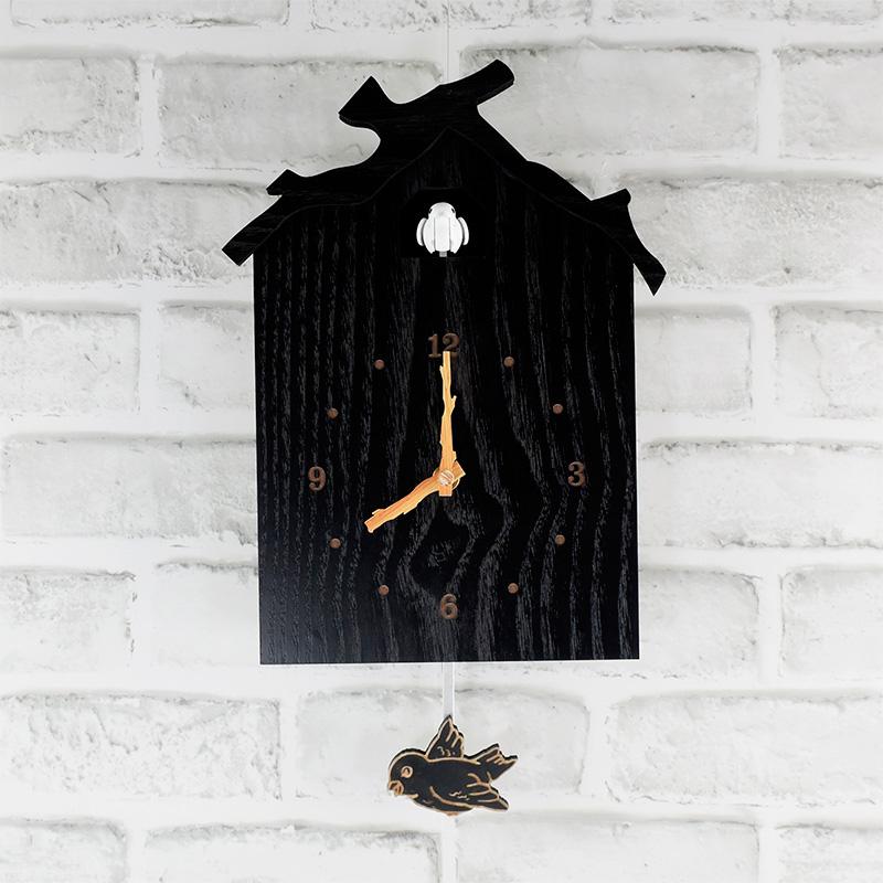●黒塗りの鳩時計