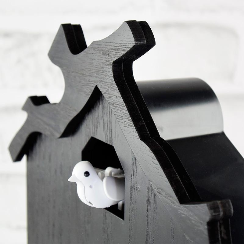 黒塗りの鳩時計4