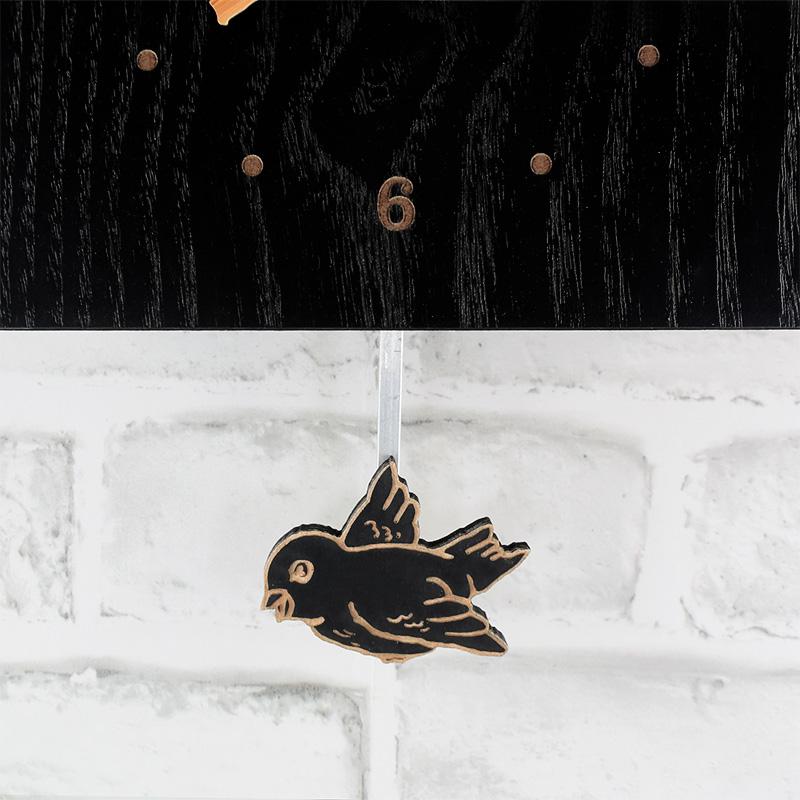 黒塗りの鳩時計5